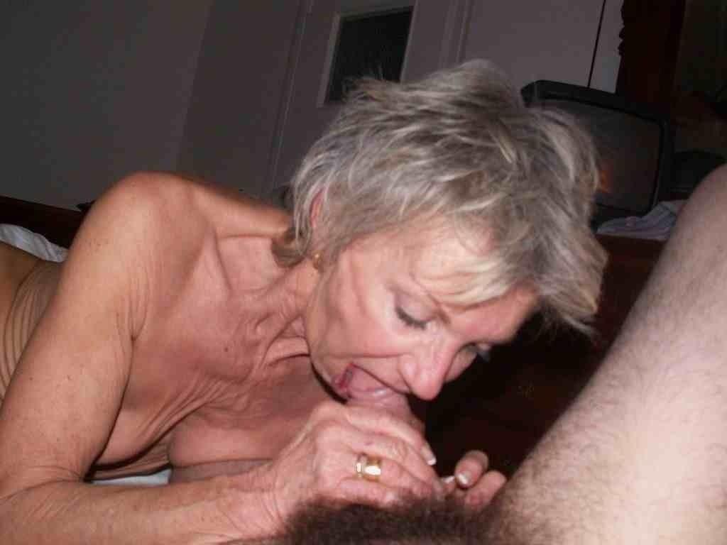 bosomy fetish woman
