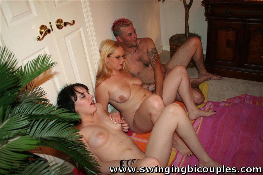 scarlett johansson leaked nude pics