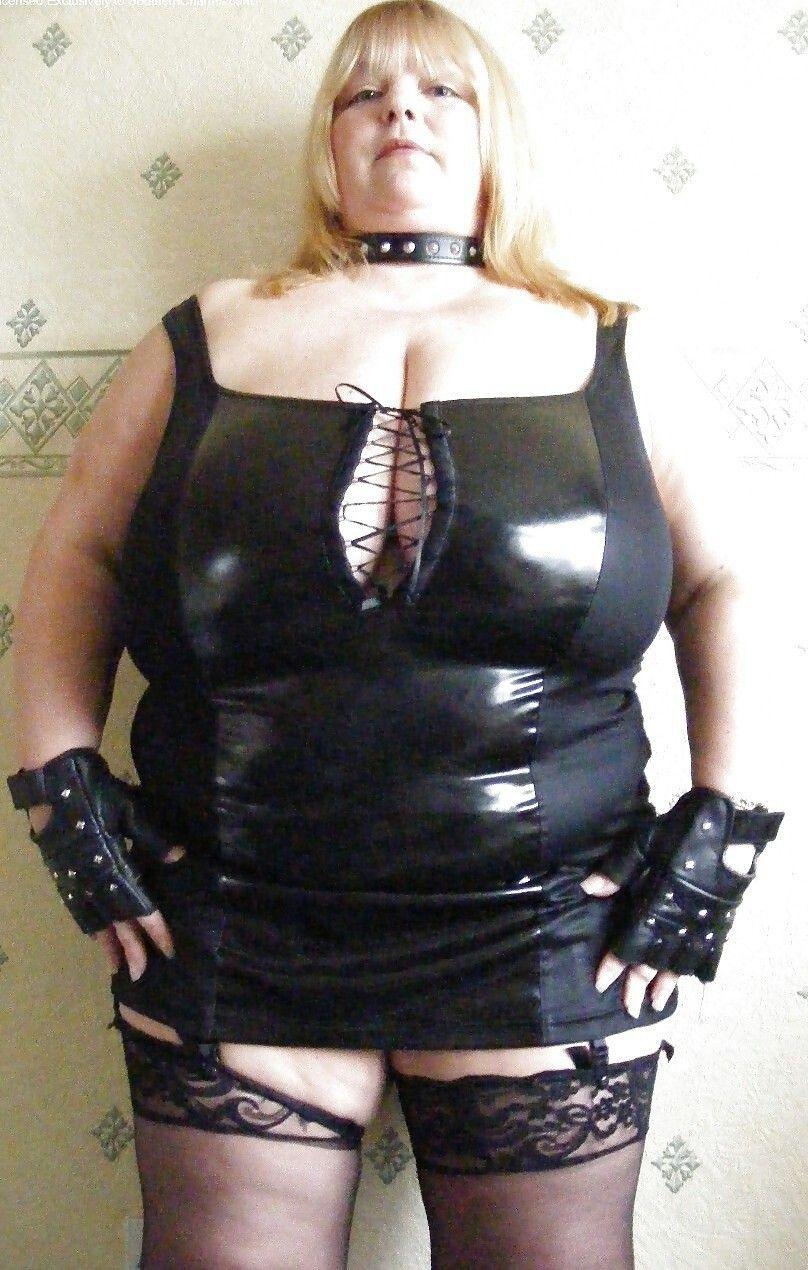 kelly brook sexy tits