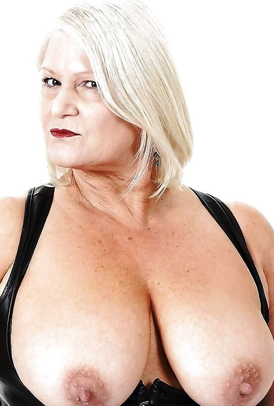 nude women crotch fuck